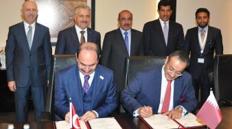 وزير المواصلات والاتصالات يشهد توقيع اتفاقية تعاون بريدي بين بريد قطر وبريد تركيا